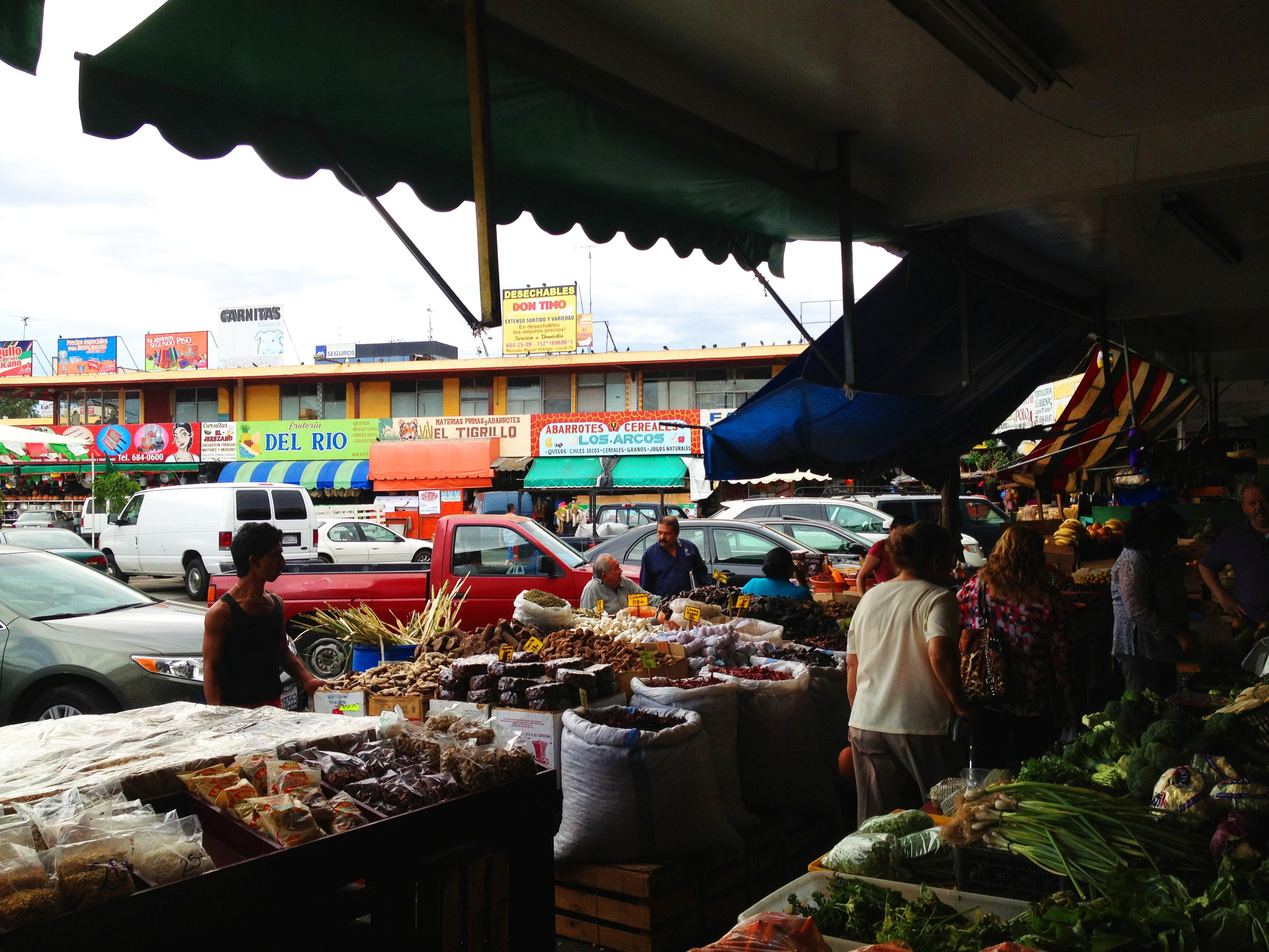Fast N Fresh >> Mercado Hidalgo in Tijuana - Discover Baja Travel Club